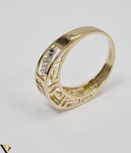 """Inel din aur 14k, 585 2.56 grame Latime inelului la partea superioara este de 5 mm Diametrul inelului este de 18 mm Masura standard RO: 56 si UE: 16 Marcaj cu titlul """"585"""" Locatie Harlau [2]"""
