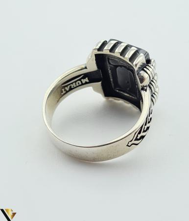 """Inel din argint, 925 9.48 grame Latime inel 15.5 mm Diametrul inelului este de 19.5mm (masura standard RO: 61 si UE: 21) Marcaj cu titlul """"925"""" Locatie HARLAU [2]"""