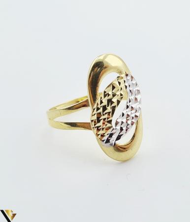 """Inel din aur 14k, 585 2.12 grame Latime inelului la partea superioara este de 21.5 mm Diametrul inelului este de 18.5mm Masura standard RO: 59 si UE: 19 Marcaj cu titlul """"585"""" Locatie Harlau [1]"""