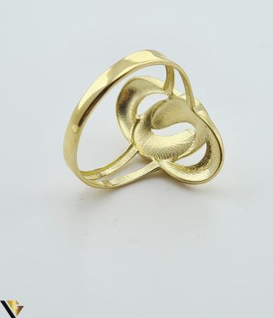 """Inel din aur 14k, 585 2.12 grame Latime inelului la partea superioara este de 21.5 mm Diametrul inelului este de 18.5mm Masura standard RO: 59 si UE: 19 Marcaj cu titlul """"585"""" Locatie Harlau [2]"""