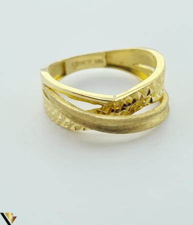 """Inel din aur 14k, 585 2.69 grame Latime inelului la partea superioara este de 6.8 mm Diametrul inelului este de 18mm Masura standard RO: 57 si UE: 18 Marcaj cu titlul """"585"""" Locatie Harlau [1]"""