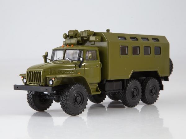 Macheta camion cu duba URAL 4320, scara 1:43 0