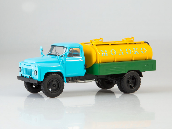 Macheta auto camion cisterna lapte ACPT-3.3 (Gaz 53), scara 1:43 0