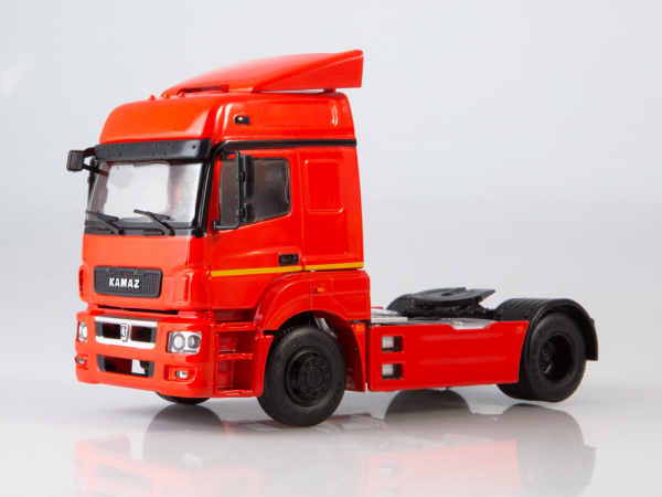 Macheta cap tractor Kamaz 5490, scara 1:43 0