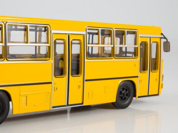 Macheta autobuz Ikarus 280.64 cu usi late, scara 1:43 3
