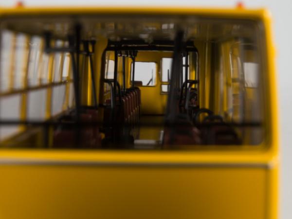 Macheta autobuz Ikarus 280.64 cu usi late, scara 1:43 10