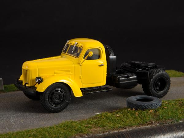 Macheta auto camion cap tractor Zis-MMZ-164AN, scara 1:43 3