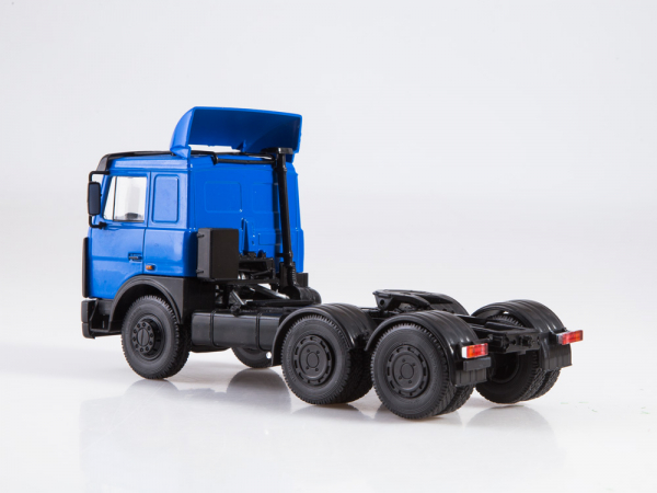 Macheta cap tractor MAZ 6422, scara 1:43 1