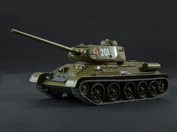 Macheta tanc rusesc T-34-85, scara 1:43 0