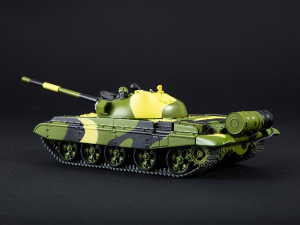 Macheta tanc rusesc T-62M, scara 1:43 1