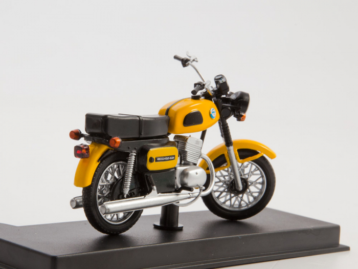 Macheta motocicleta ruseasca Voshod-3M, scara 1:24 [2]