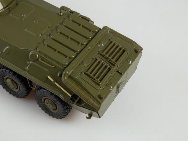 Macheta transportor blindat rusesc BTR-70, scara 1:43 3