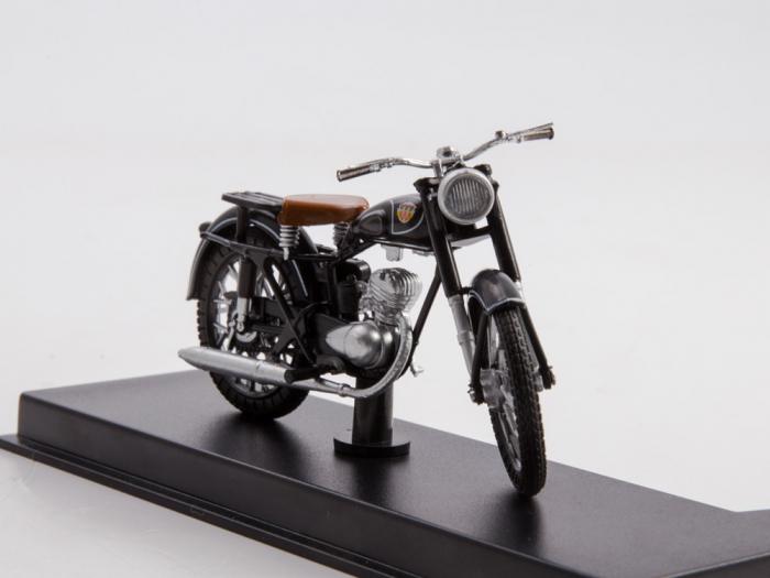 Macheta motocicleta ruseasca M-103, scara 1:24 [3]
