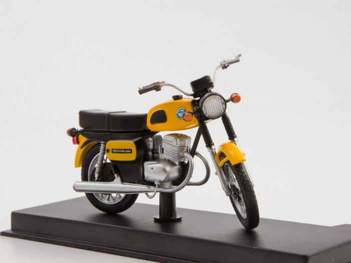 Macheta motocicleta ruseasca Voshod-3M, scara 1:24 [3]