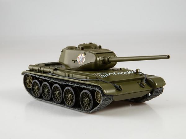 Macheta tanc rusesc T-44, scara 1:43 2