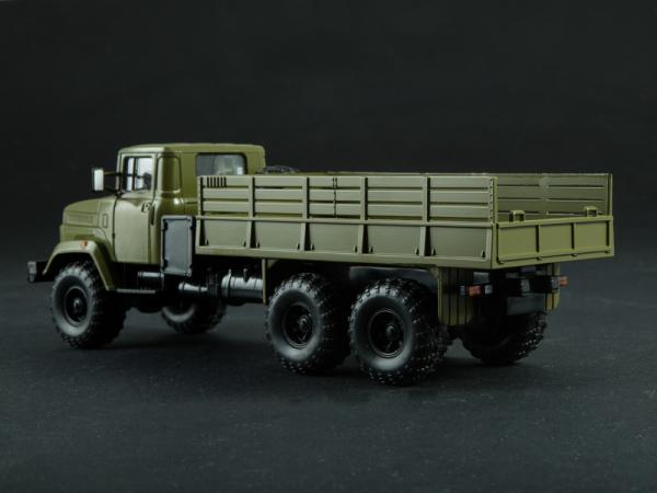 Macheta camion cu prelata KRAZ 6322, scara 1:43 3