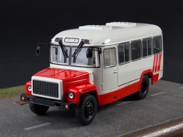 Macheta autobuz KAVZ-3976 cu revista, scara 1:43 3