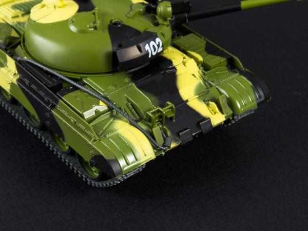 Macheta tanc rusesc T-62M, scara 1:43 4