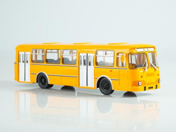 Macheta autobuz LiAZ-677M, scara 1:43 0