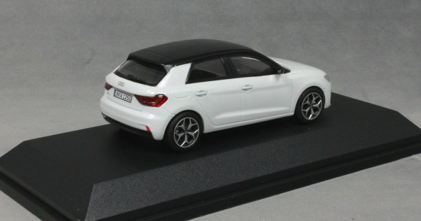 Macheta auto Audi A1 Sportback, scara 1:43 1