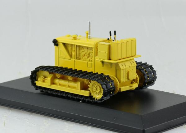 Macheta tractor D-804, Rusia, scara 1:43 1