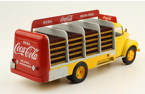 Macheta camion Coca-Cola Ebro B-45, scara 1:43 2