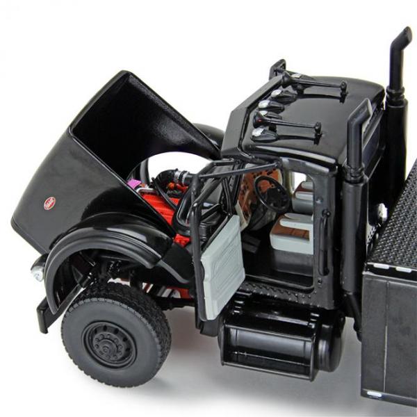 Macheta auto camion depanare Century Rotator pe sasiu Peterbilt 367, scara 1:50 1
