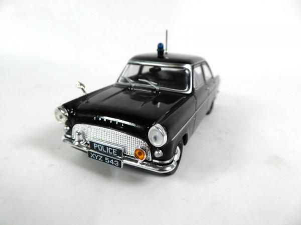 Macheta auto Ford Consul Mk2, politia britanica, scara 1:43 0