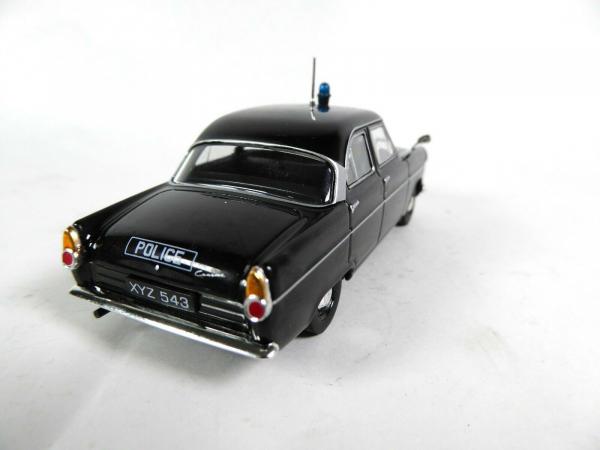 Macheta auto Ford Consul Mk2, politia britanica, scara 1:43 2