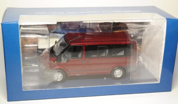 Macheta minibus Ford Transit Mk5, 2000-2006, scara 1:43 2