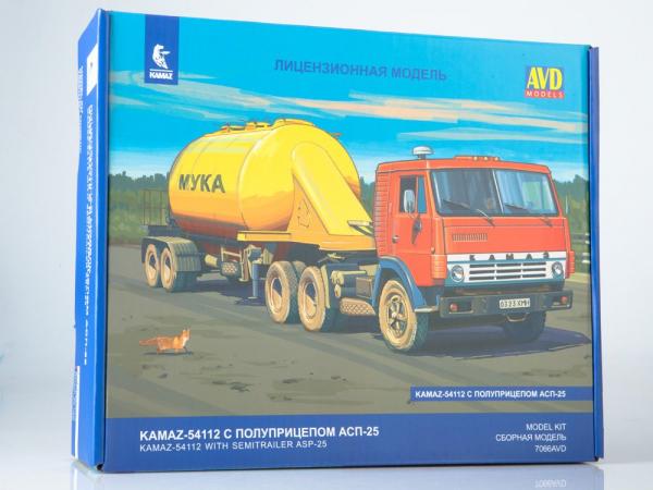 Kit macheta camion Kamaz-54112 cu semirmeorca siloz, scara 1:43 0