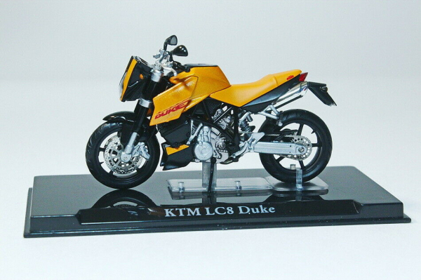 Macheta motocicleta KTM LC8 Duke, scara 1:24 1