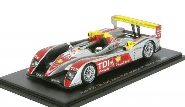 Macheta auto Audi R10 Le Mans 2008, scara 1:43 0