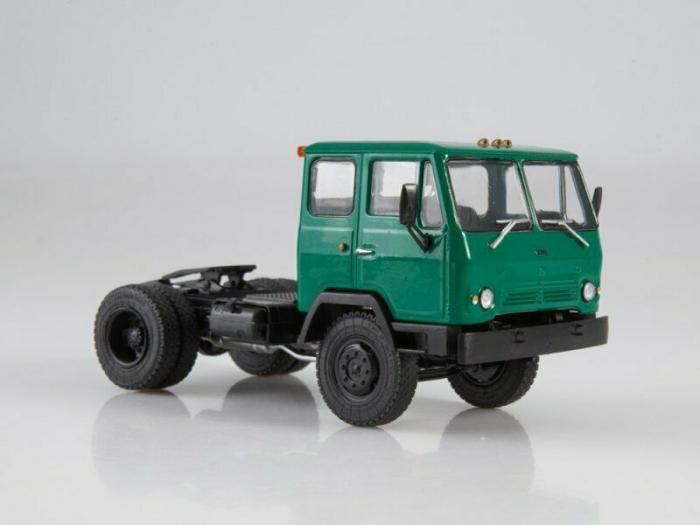 Macheta auto camion cap tractor KAZ-608V Kolhida, scara 1:43 [1]