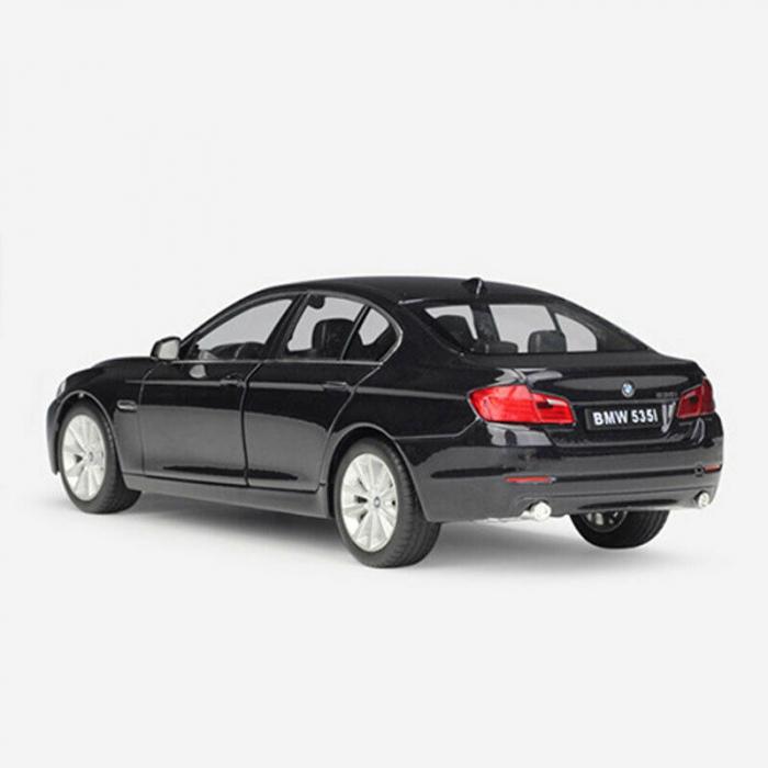 Macheta BMW 535i (F10), scara 1:24 2