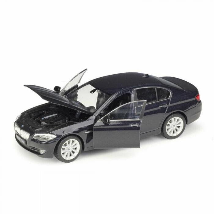 Macheta BMW 535i (F10), scara 1:24 1