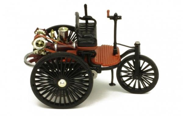 Macheta auto Benz Patent Motorwagen, scara 1;43 1