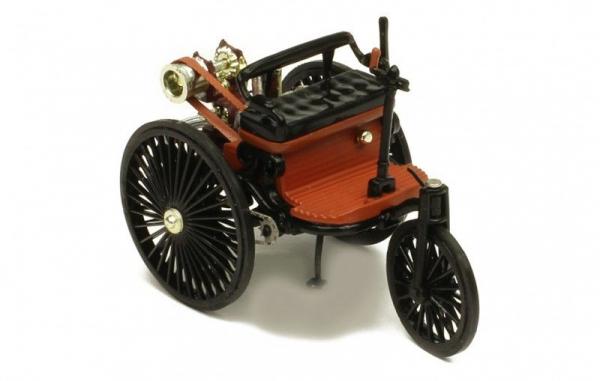 Macheta auto Benz Patent Motorwagen, scara 1;43 0