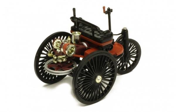 Macheta auto Benz Patent Motorwagen, scara 1;43 2