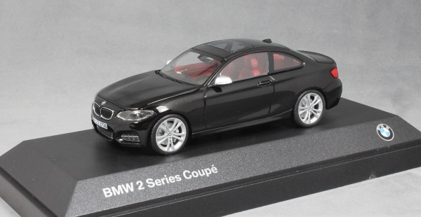 Macheta auto BMW 2ER coupe F22, scara 1:43 0