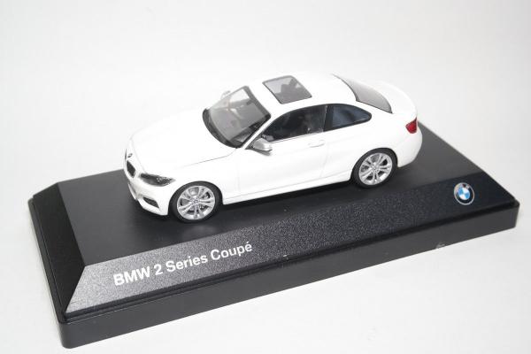 Macheta auto BMW 2ER coupe, scara 1:43 [0]
