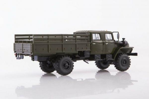 Macheta auto camion 4x4 dubla cabina Ural 43206-0551, scara 1:43 2