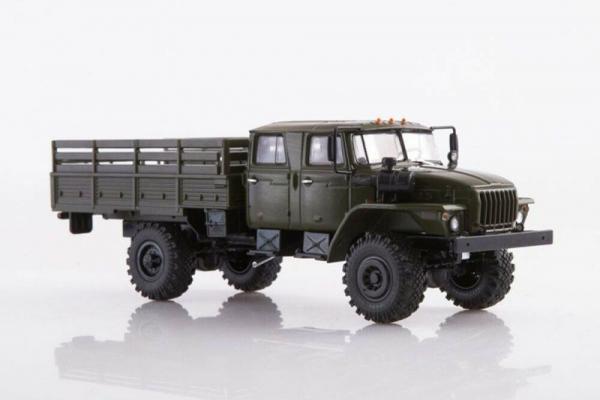 Macheta auto camion 4x4 dubla cabina Ural 43206-0551, scara 1:43 1