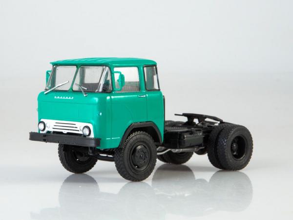 Macheta auto camion cap tractor KAZ-608 Kolhida, scara 1:43 1