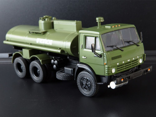 Macheta auto camion cisterna AC-9 (Kamaz-5320), scara 1:43 0