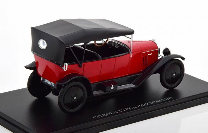 Macheta auto Citroen Type A 10HP Torpedo 1919 , scara 1:24 [1]