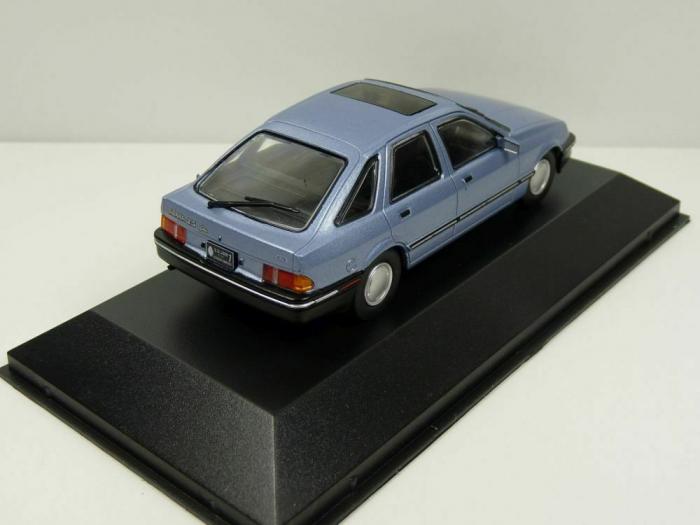 Macheta auto Ford Sierra 2.3 Ghia, scara 1:43 1