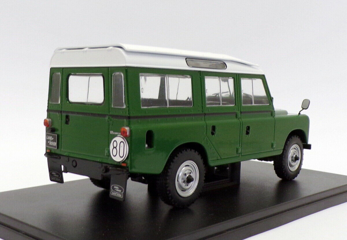 Macheta auto Land Rover Series III 109, scara 1:24 [1]