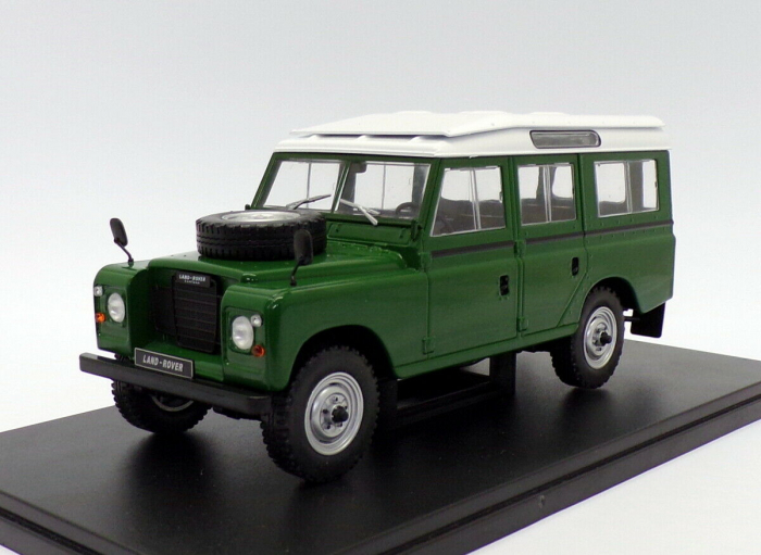 Macheta auto Land Rover Series III 109, scara 1:24 [0]
