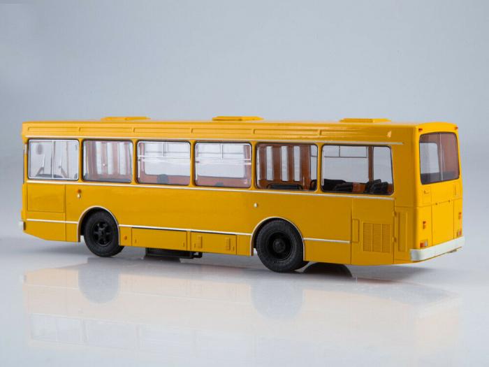 Macheta autobuz LAZ-4202, scara 1:43 2